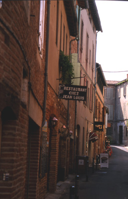 Into the old town of Albi